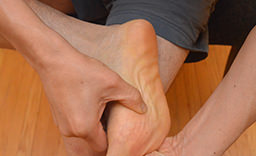 Cross Friction of Foot 5 Ways To Get Rid Of Heel Spurs: Downtown Toronto Chiropractor