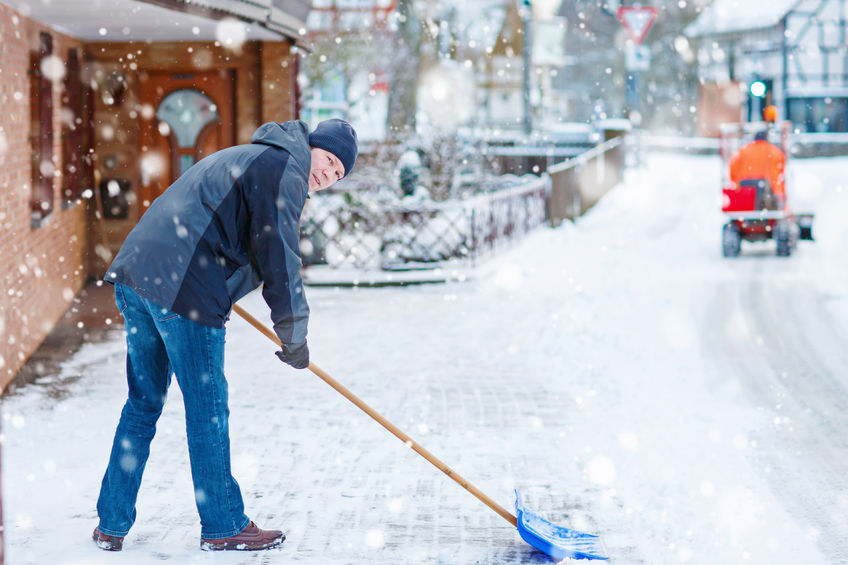 Shovelling Snow |Downtown Toronto Sports Chiropractor Dr. Ken Nakamura
